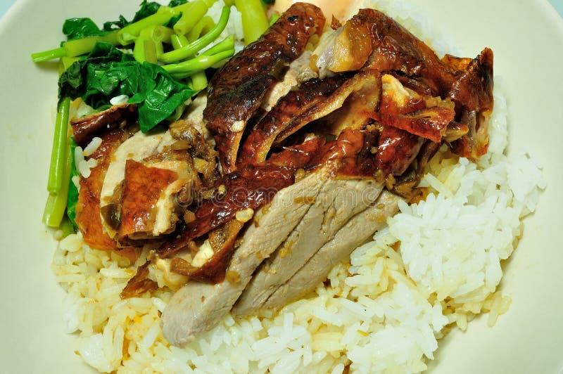 Bbq-Ente über gedämpftem Reis lizenzfreie stockfotografie
