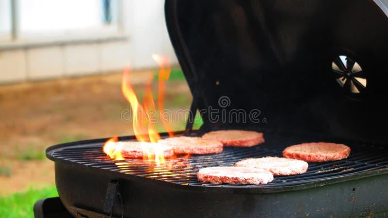 BBQ flamboyant d'hamburger photographie stock