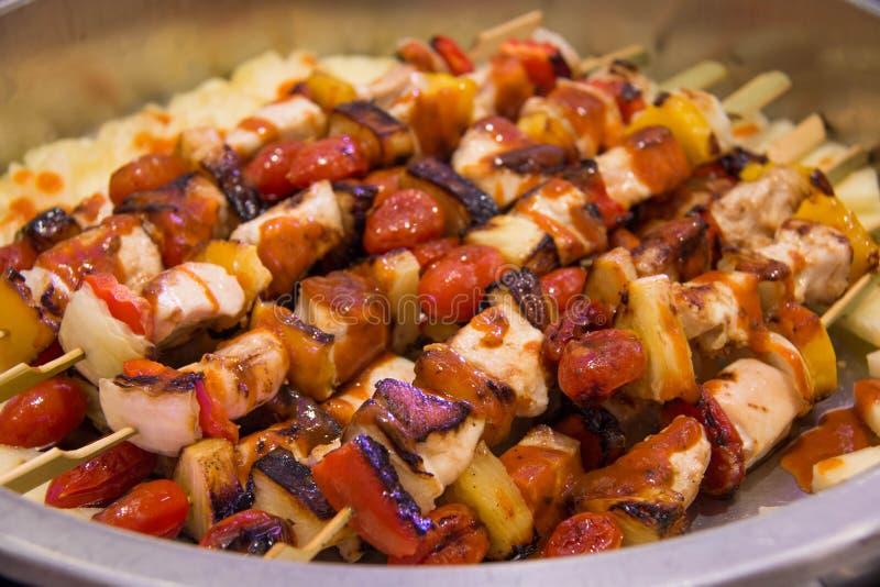 BBQ grelhado misturado com os vegetais imagem de stock royalty free