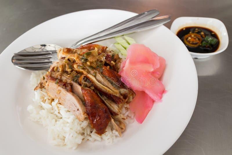 BBQ Pieczona kaczka nad Rice zdjęcia royalty free