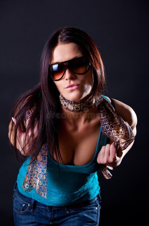 BBrunette che mostra i suoi tits fotografie stock libere da diritti