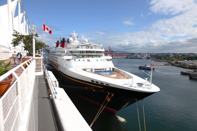 bc взгляд vancouver стороны туристического судна Канады стоковые изображения rf