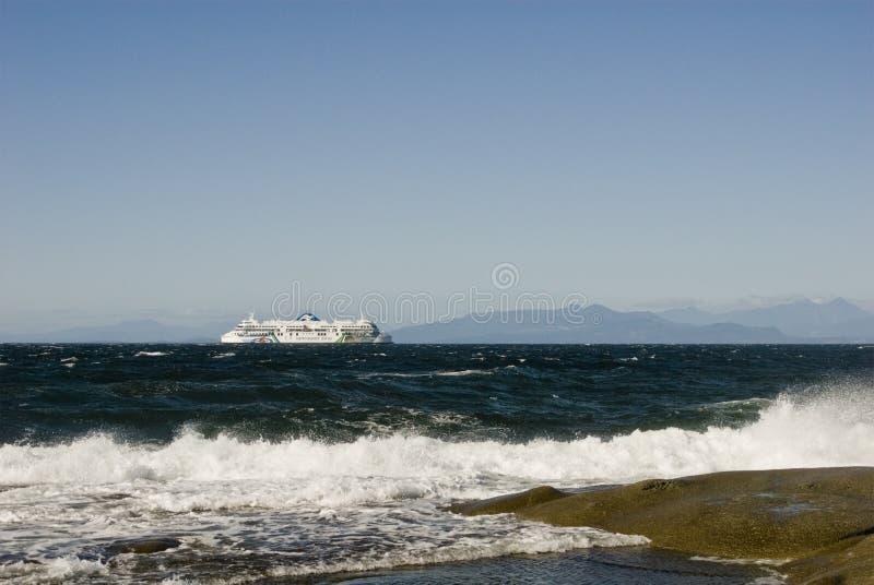 BC traghetto, Georgia Strait, Columbia Britannica Vista di nordest dall'isola di Gabriola immagini stock libere da diritti