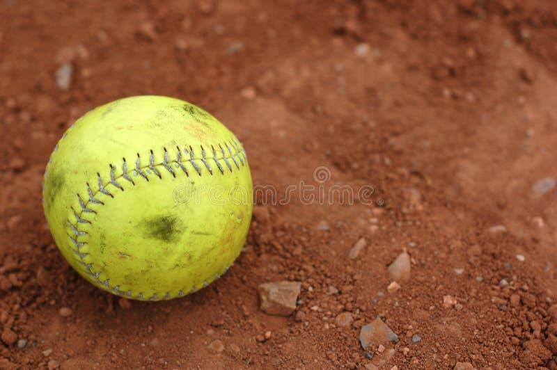 Beísbol con pelota blanda, usado bien imagen de archivo libre de regalías