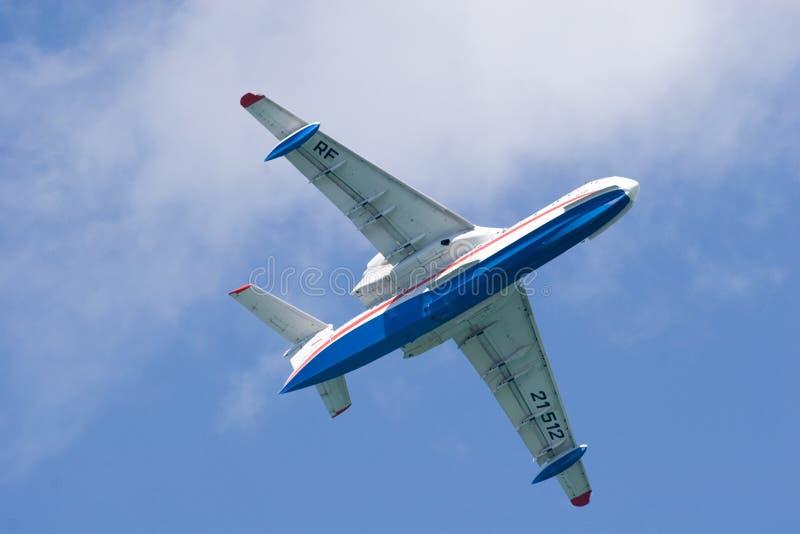 Download Be-200 en cielo foto de archivo. Imagen de aerobatics - 1282266
