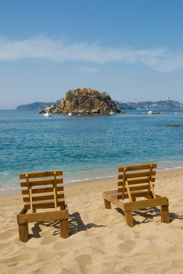 Free Beach Chairs - Acapulco Mexico Royalty Free Stock Photography - 8581137