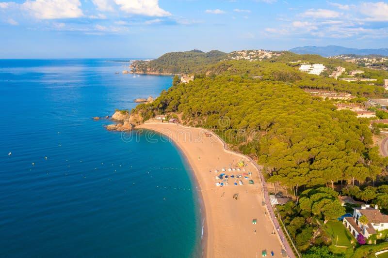 Beach de Fenals 略雷特德马尔手段 库存照片
