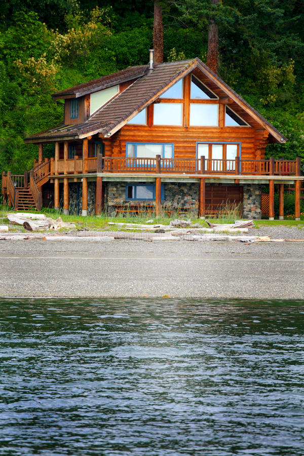 Log Beach House ~ Beach house stock photo image