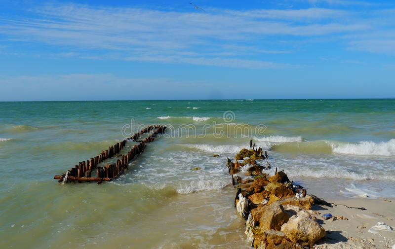 Beach And Ocean Panorama  In Mexico Chelem Royalty Free Stock Images