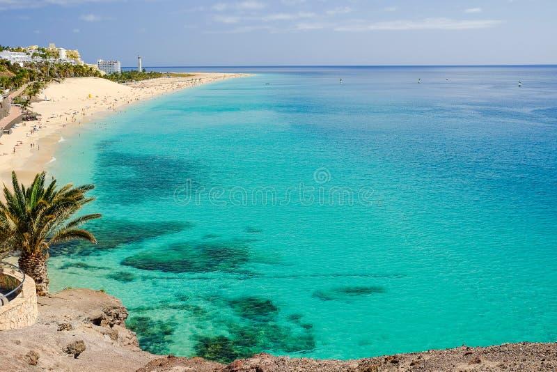 Beach Playa del Matorral sull'Isole Canarie Fuerteventura, stazione termale fotografia stock