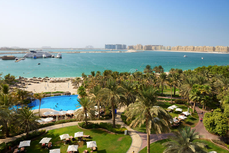 Download Beach With A View On Jumeirah Palm Man-made Island Stock Image - Image: 35124965