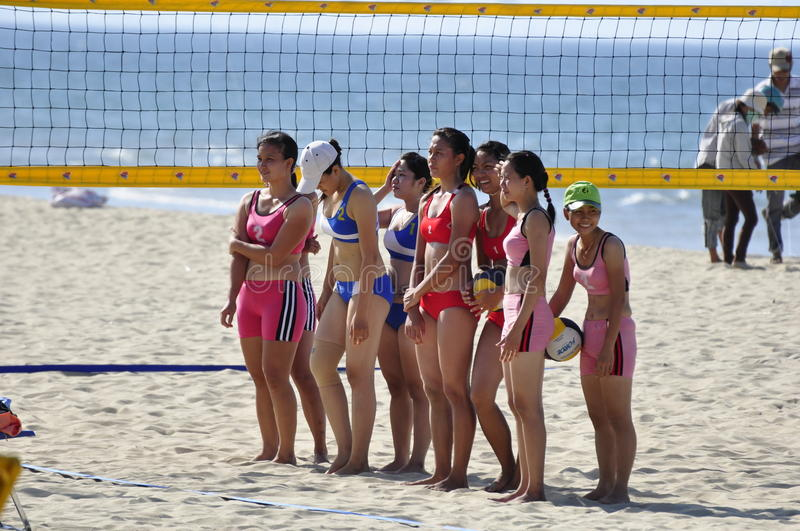 Download Beach Volley editorial photo. Image of player, pink, bikini - 16927931