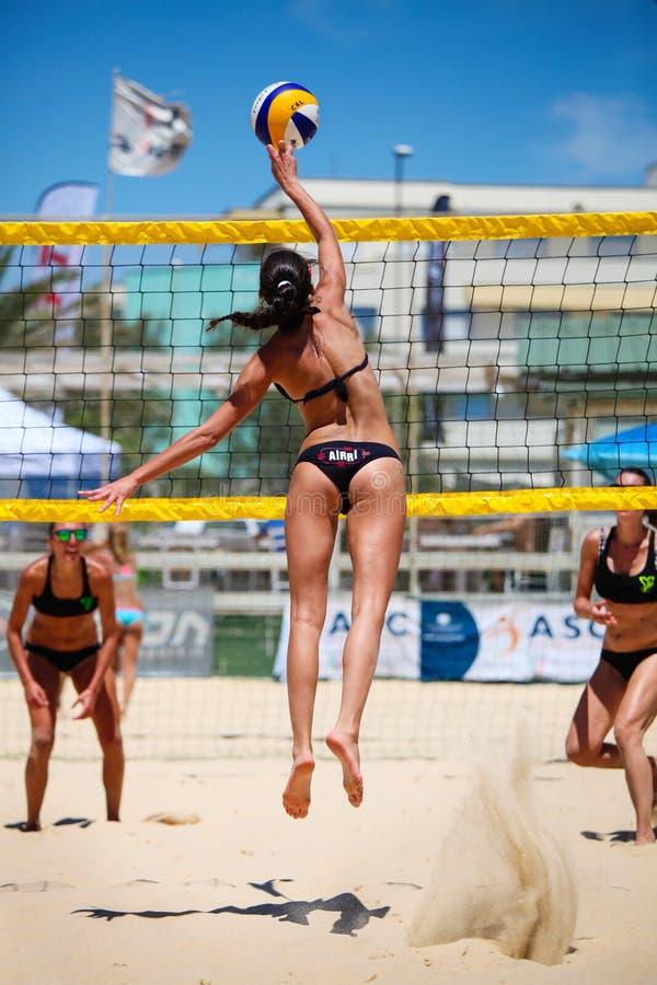 [Imagem: beach-volleyball-women-players-jump-spor...045510.jpg]