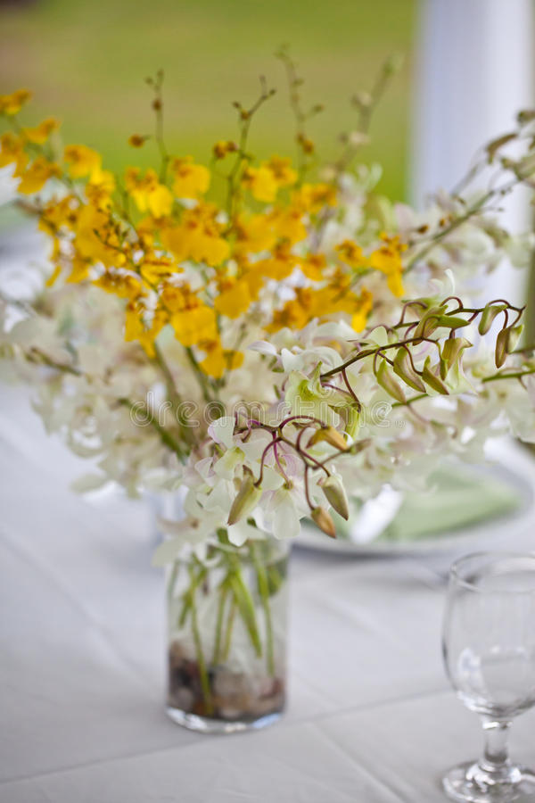 Download Beach Wedding Decor Table Setting And Flowers Stock Image - Image: 28888071