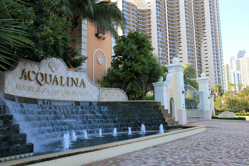 Beachfronthotels op hoofdstraat van Miami, Florida, Zomer, 2013 royalty-vrije stock foto