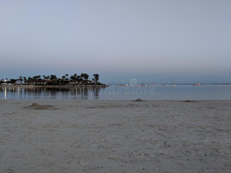 Beachlife por puesta del sol fotos de archivo libres de regalías
