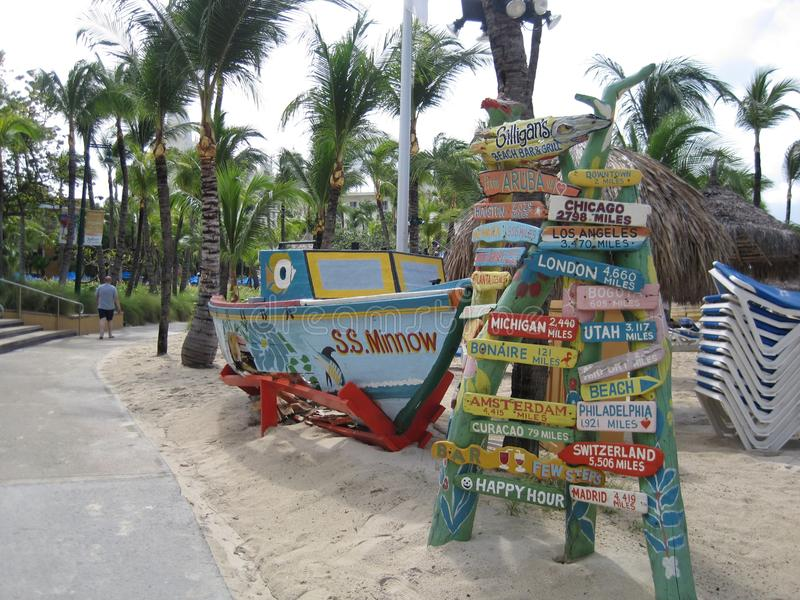 Beachside vägmärken royaltyfria foton