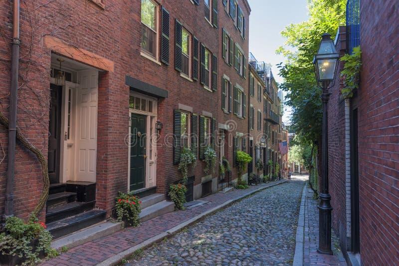 Beacon Hill ` s Acorn ulica w Boston Massachusetts obraz stock