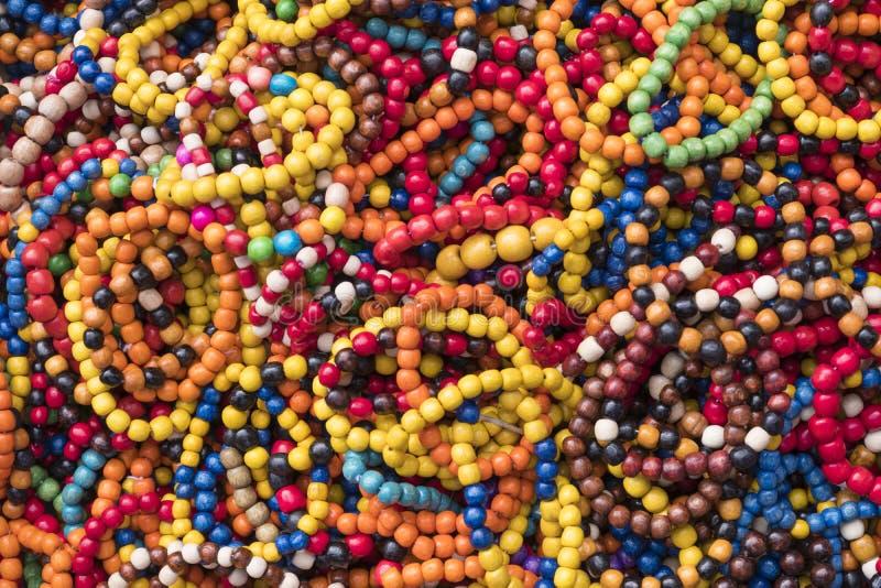 beads färgrikt trä royaltyfri foto