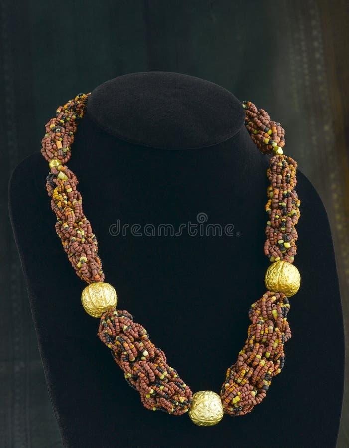 beads halsbandet arkivbilder