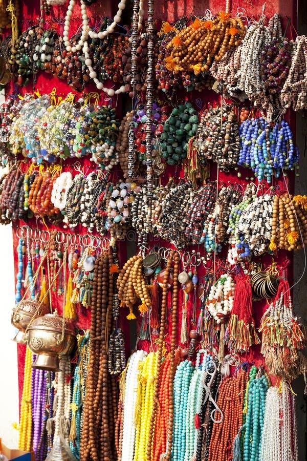 beads nepalese traditionellt arkivbild