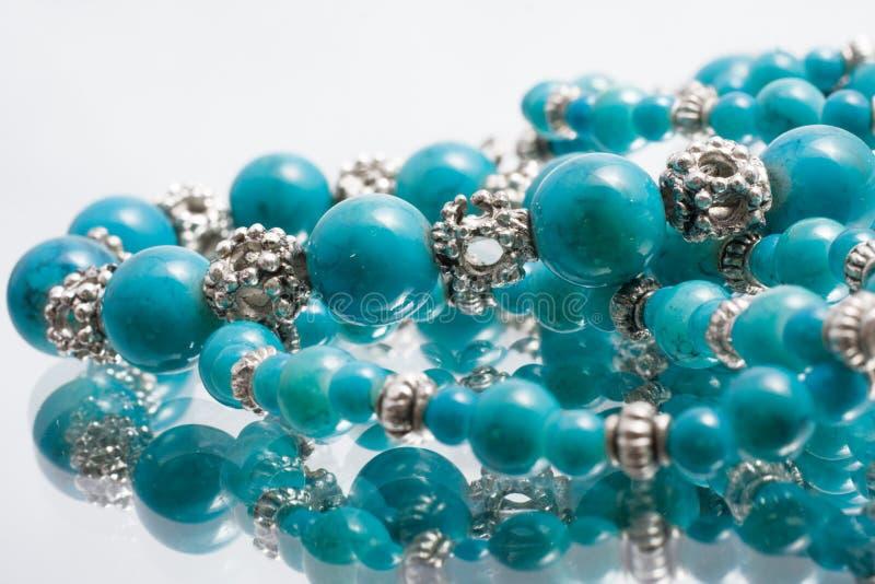 beads turkos royaltyfri bild