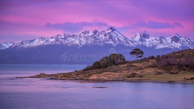 Beagle kanał Ushuaia Wschód słońca Wschód słońca Argentyna Jul 2014 zdjęcie stock