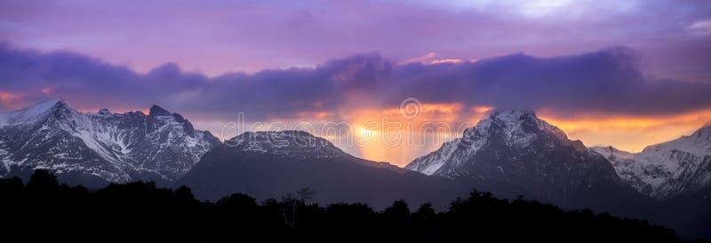 Beagle kanał Ushuaia Wschód słońca Wschód słońca Argentyna Jul 2014 obraz royalty free