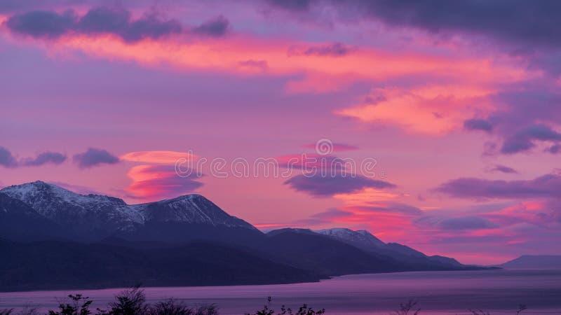 Beagle kanał Ushuaia Wschód słońca Wschód słońca Argentyna Jul 2014 obrazy stock