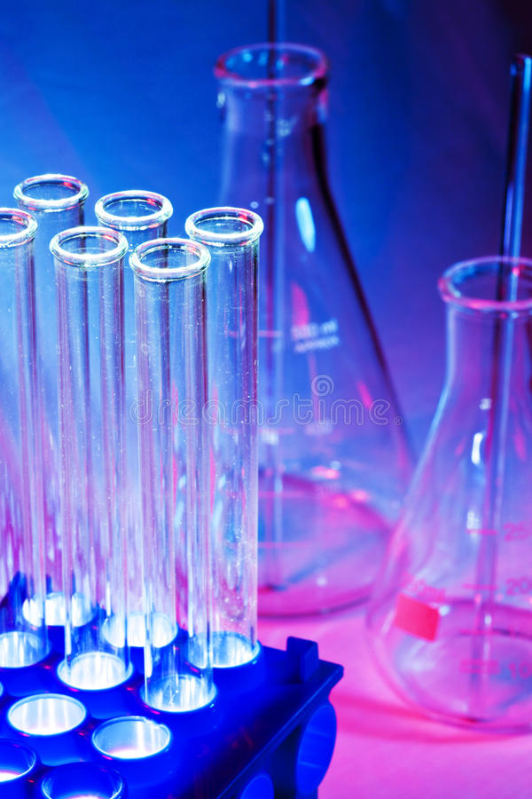 Free Beakers And Test Tubes Royalty Free Stock Images - 15570459