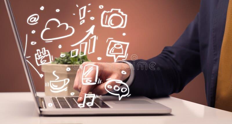 Beambtezitting voor laptop royalty-vrije stock fotografie