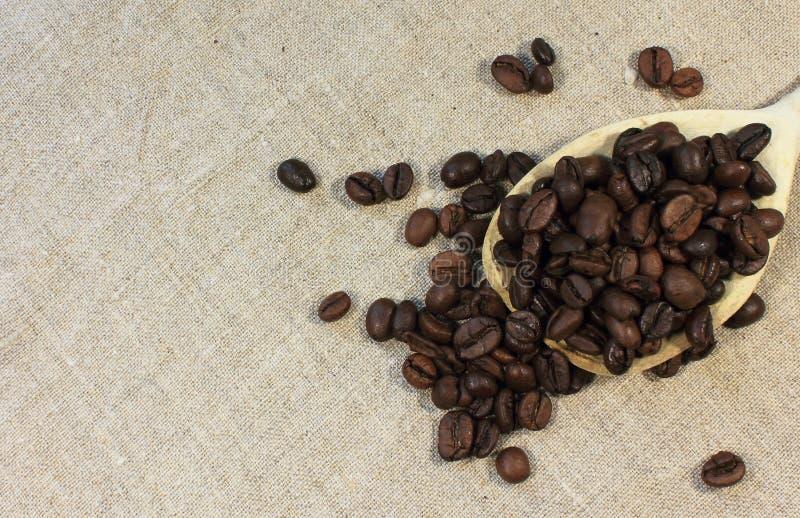Download Bean śniadanie Kawa Ideał Wyizolował Makro Nadmiar Białych Obraz Stock - Obraz złożonej z tło, brąz: 53778709