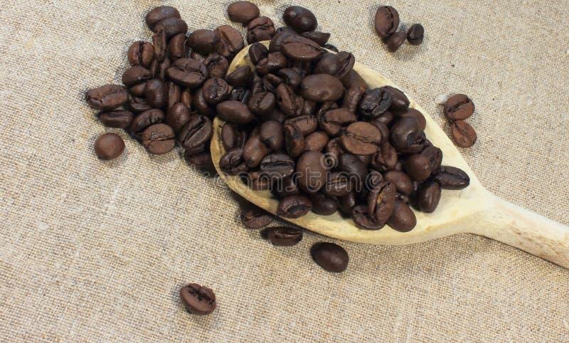 Download Bean śniadanie Kawa Ideał Wyizolował Makro Nadmiar Białych Obraz Stock - Obraz złożonej z smak, brąz: 53778765
