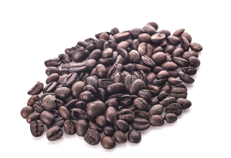bean śniadanie kawa ideał wyizolował makro nadmiar białych Na biały tle obrazy royalty free