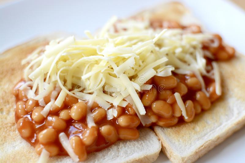 recipe: beans on toast with cheese [20]