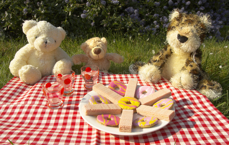 Download Bears picnic stock photo. Image of cute, picnic, friendship - 2333806