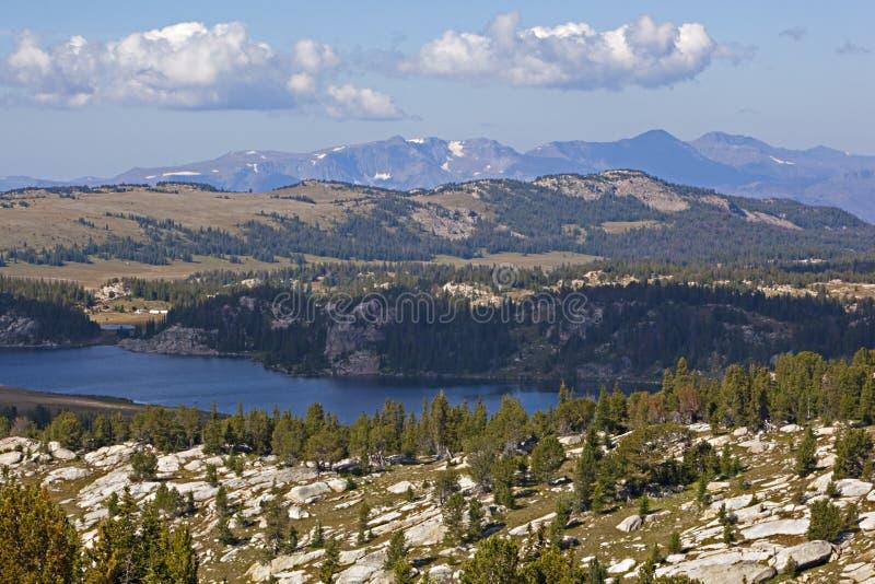 Beartooth Mountainsalpiner See stockbilder