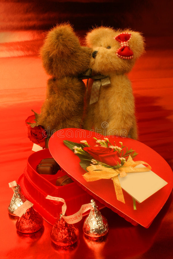Free Beary Much In Love Royalty Free Stock Photo - 446985