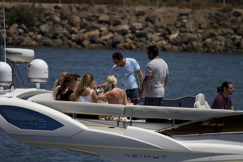 Download Beat The Heat Boating In California Editorial Stock Photo - Image: 41457028