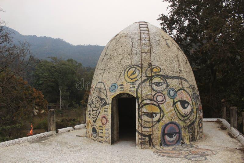 Beatles ashram in Rishikesh India, aucustic koepel royalty-vrije stock afbeeldingen