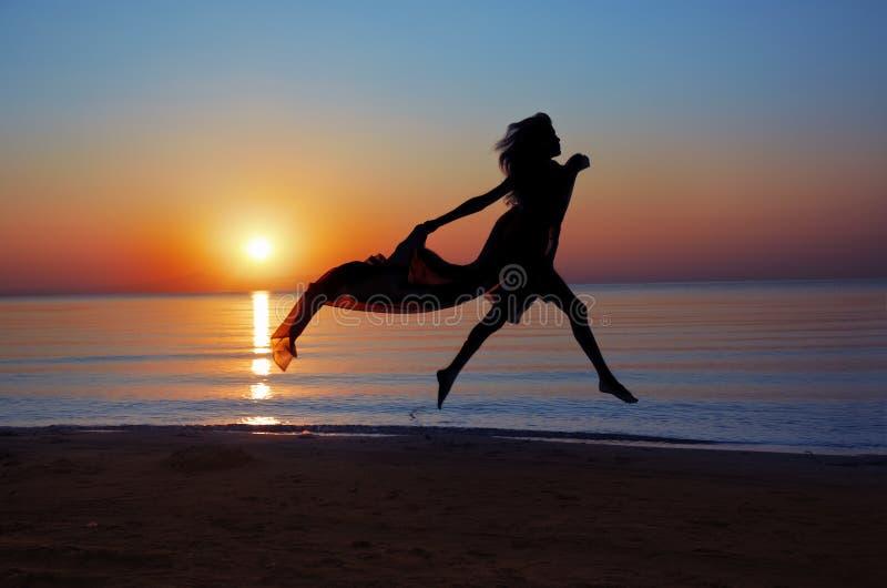 Beaty am Sonnenuntergang stockbilder