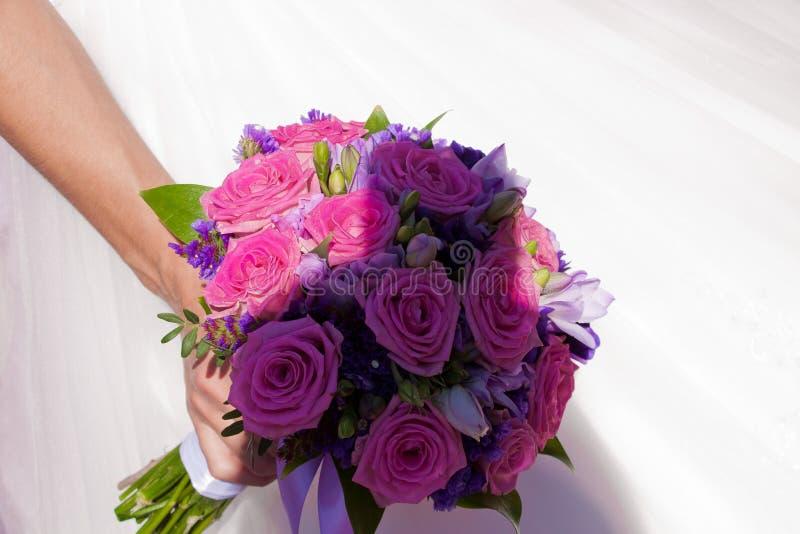 Beau Bouquet De Mariage Image Stock. Image Du Robe, Blanc