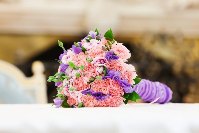 Beau Bouquet De Mariage Image Stock. Image Du Agencement