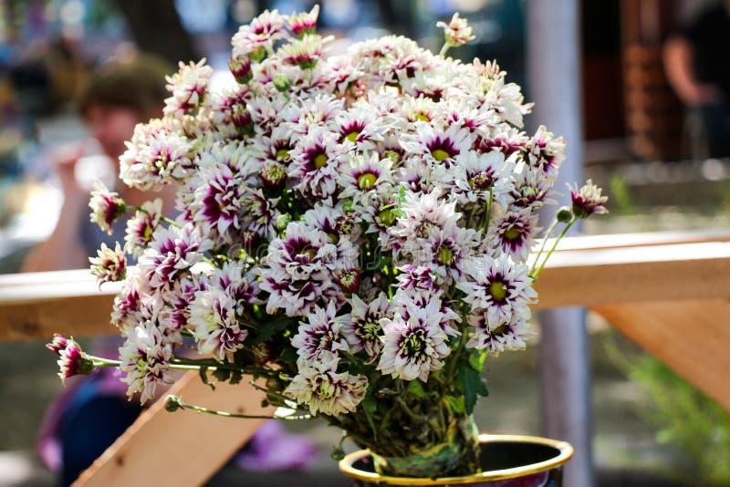 Beau bouquet des fleurs photographie stock