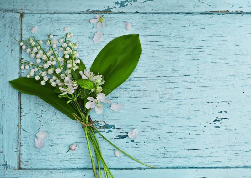 Beau bouquet des lis de la vallée photographie stock