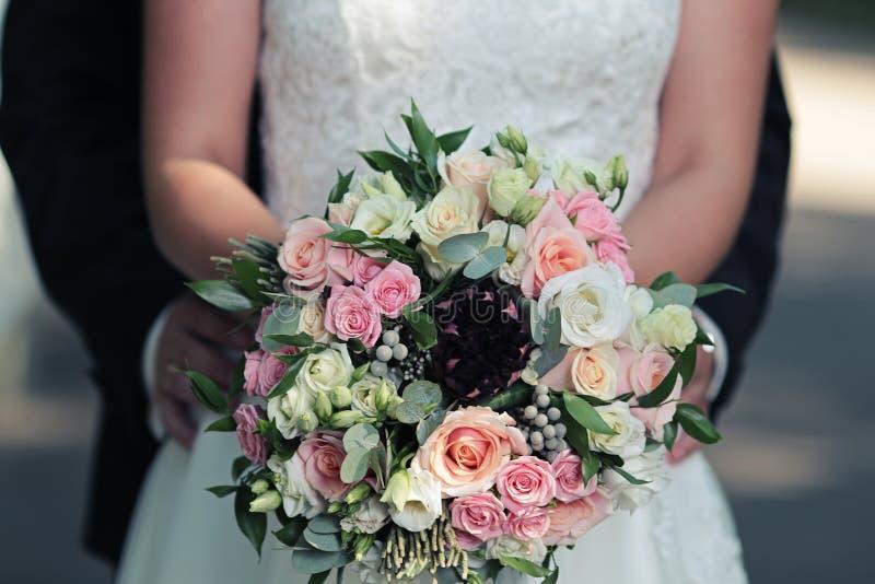 Beau bouquet lumineux de mariage photographie stock libre de droits