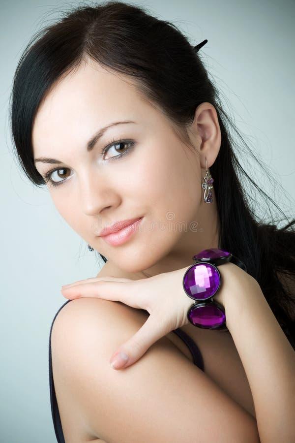 Beau brunette fascinant photographie stock