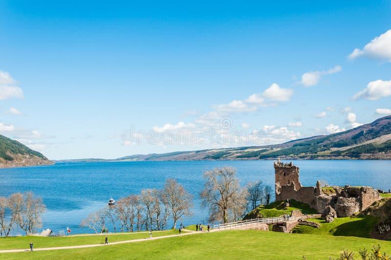 Beau château d'Urquhart en Ecosse, Loch Ness photo stock