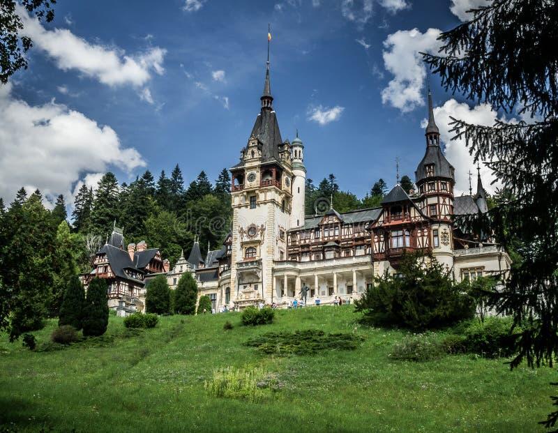 Beau château de Peles dans Sinaia Roumanie images stock
