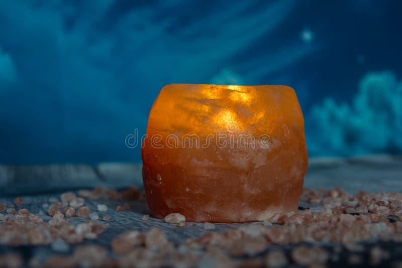 Beau chandelier de sel de l'Himalaya photo libre de droits